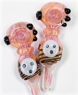 SP2199 – 5″ Gold Fume Panda Face Glass Hand Pipe